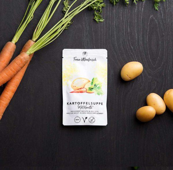 vegane Kartoffelsuppe mit Karotte aus der Tüte